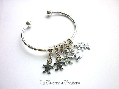 bracelet-5-breloques.jpg