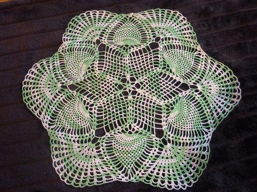 Crochet-Napperon-2-vert.blanc-2014.JPG