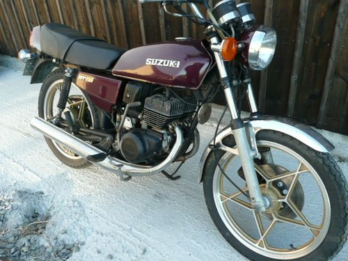 suzuki gt 125 1975 la petite derni re trouv e sur le bon coin breizh moto ancienne. Black Bedroom Furniture Sets. Home Design Ideas