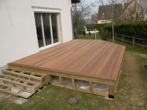 construction terrasse en bois sur pilotis terrasse en bois. Black Bedroom Furniture Sets. Home Design Ideas