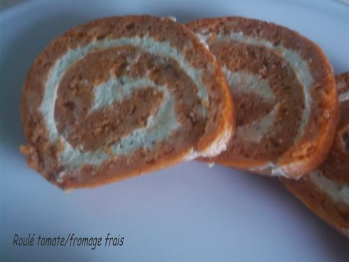 Roule-tomate-fromage-frais.jpg