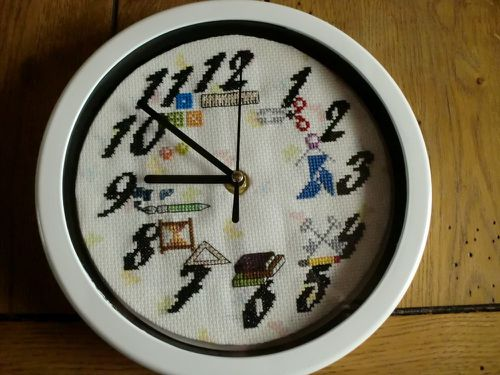 Nadia-sal-horloge.JPG