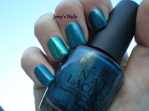 OPI-Yodel-Me-On-My-Cell-avec-Orly-Halley-s-Comet.JPG