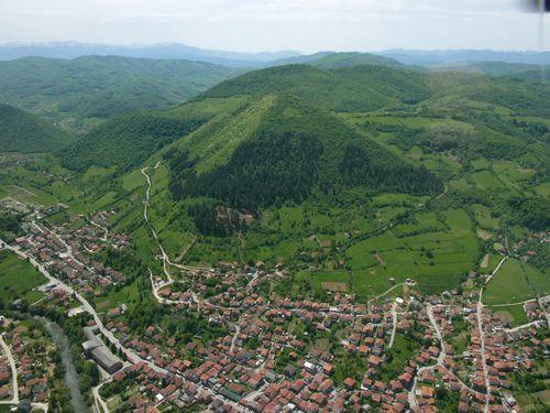 bosniapyramide2stor.jpg