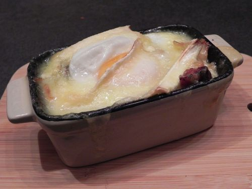 Oeuf-cocotte-chou-saucisse-fromage.JPG