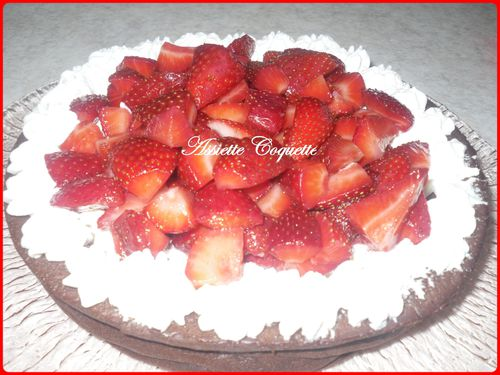 gateau chocolat chantilly fraises (1)