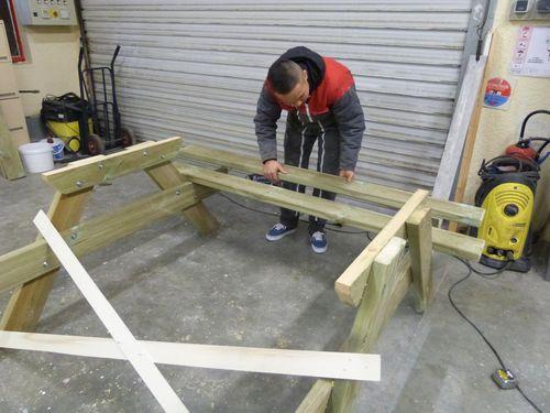 réalisation de tables et de banc de jardin 4