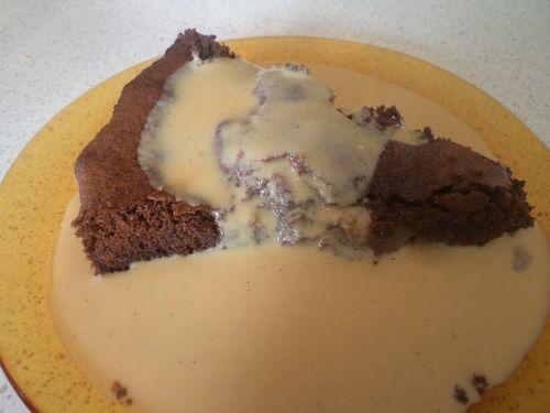 Fondant-au-chocolat-et-au-poire-et-creme-anglaise-copie-1.JPG