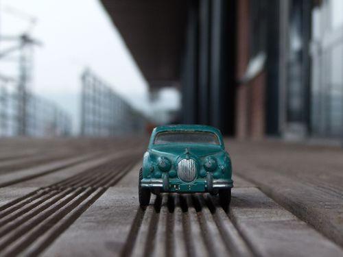 1098-petite-voiture.jpg