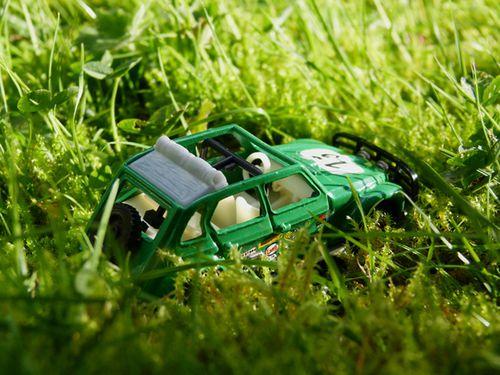 1143-voiture-verte.jpg