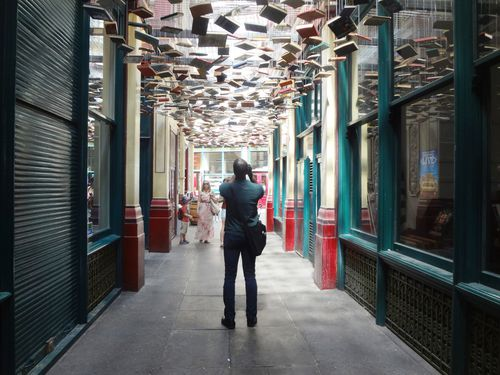 Hanging Books in Leadenhall Market. Un controsoffitto di libri
