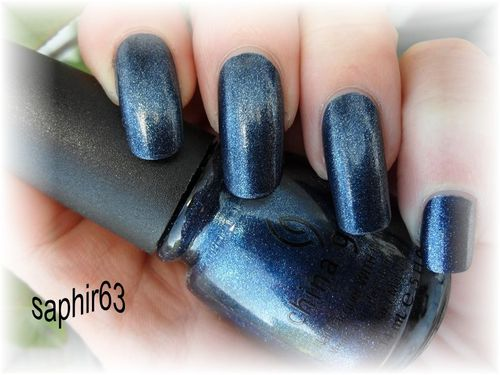 china-glaze-midnight-mission--6-.JPG