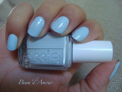 essie borrowed & blue 1