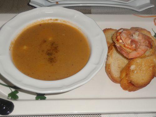 Soupe De Poisson Crevettes Rascasse Mustel Univers De Hayat