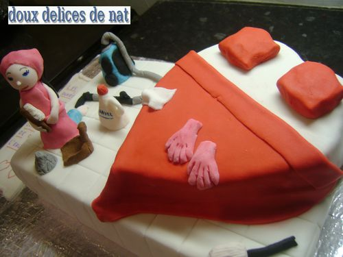 Gateau-fan-de-menage--3-.JPG