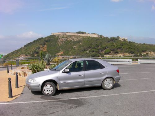 2011 ceuta ma voiture sur le parking cot du s maphore dans la montagne des fortifications. Black Bedroom Furniture Sets. Home Design Ideas