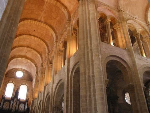 conques-abbatiale-sainte-conques-big.jpg