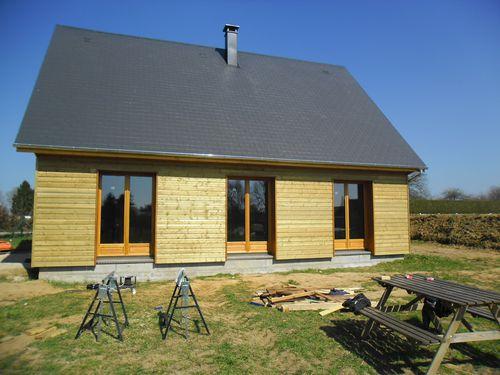 Habillage porte fenetre maison ossature bois bbc en for Maison ossature bois normandie