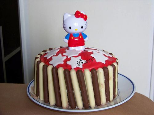 Gateau Hello Kitty avec fingers
