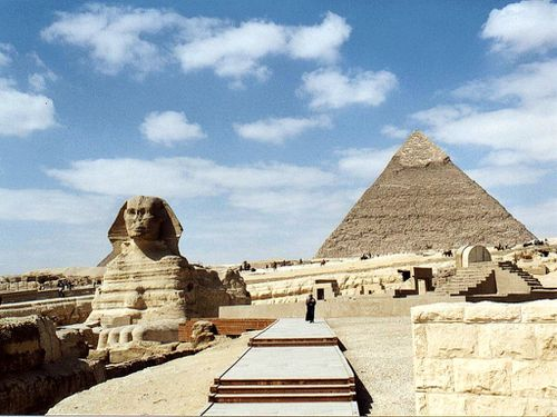 The-pyramids-and-the-sphinx-pictures-gallery1.jpg
