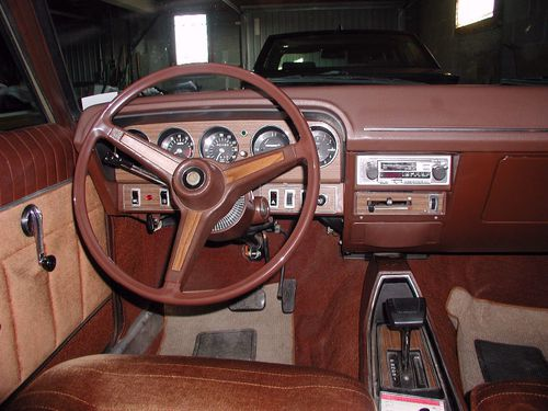 chrysler-180-interieur.jpg