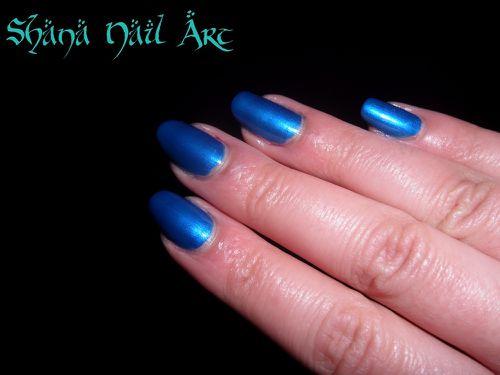 Essence bleu 1