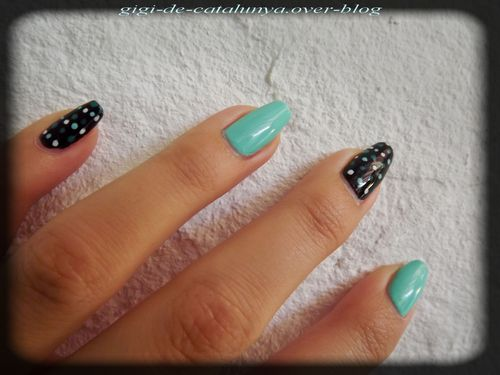 manucure-dots-and-menthe.jpg
