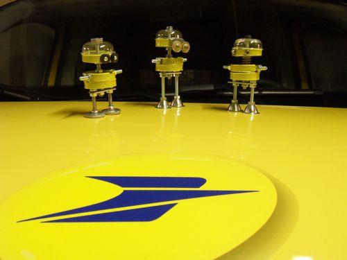 robots jaunes la poste