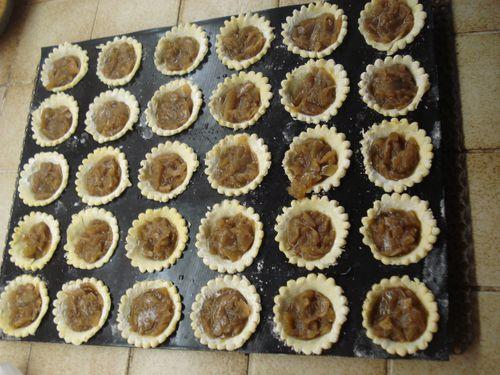 Mini tartelettes au Boudin blanc sur son Confit d'oignons 4