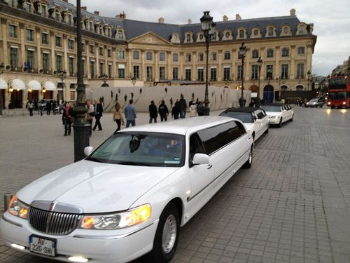 location limousine location de limousines paris. Black Bedroom Furniture Sets. Home Design Ideas