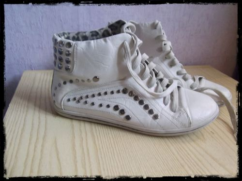 Chaussures-blanches.jpg