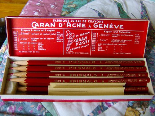 crayons et bte ancienne