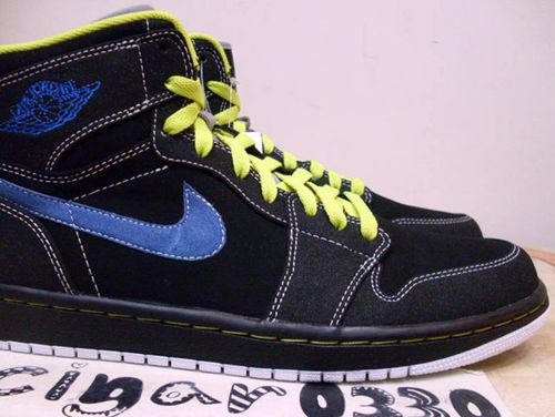 air-jordan-1-retro-high-black-cyber-sapphire-6.jpg