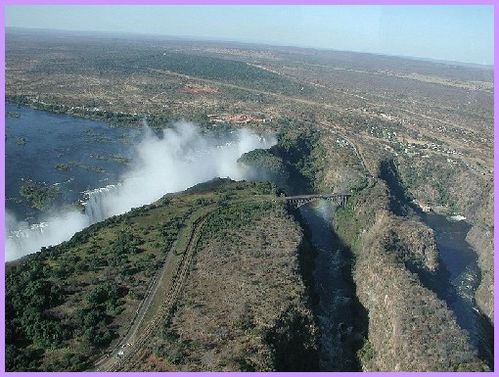 800px-Victoria Falls from the helicopter