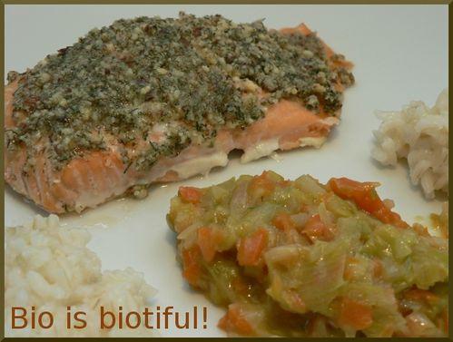 Saumon en croûte de noisettes, légumes fondants et riz ca