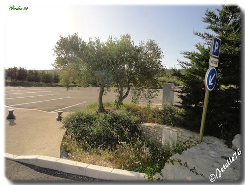 Gordes-020-border.jpg