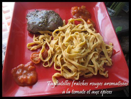 tagliatelle-fraiches-rouges-aromatisees-a-la-tomate-et-a.jpg