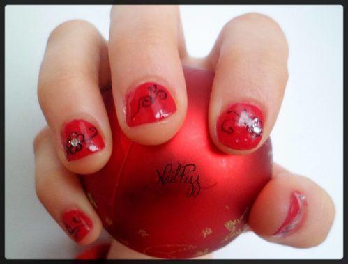 Nail-art-de-noel-rouge-laura-2.JPG