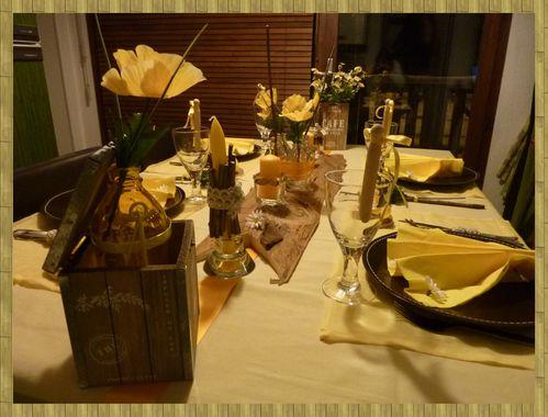 Table jaune maman 3