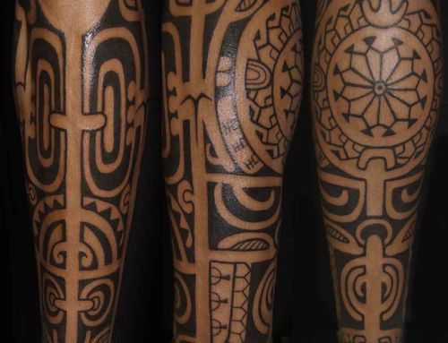 tatouage mollet photos tahiti art et humours. Black Bedroom Furniture Sets. Home Design Ideas