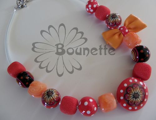 collier-court-noeud-simili-orange.jpg