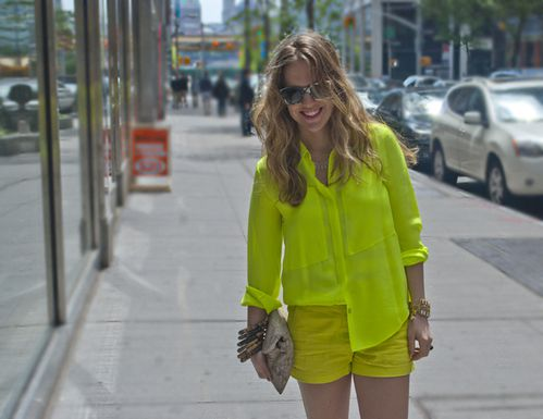 neon-yellow-summer-outfit.jpg