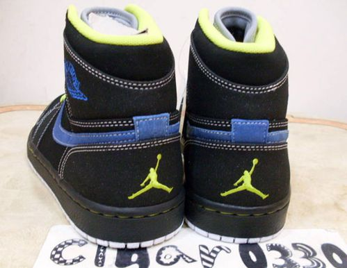 air-jordan-1-retro-high-black-cyber-sapphire-3.jpg