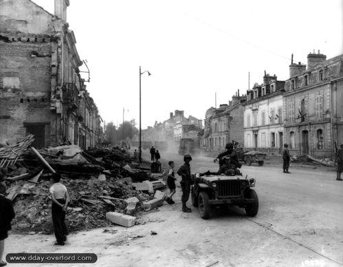 05_alencon_1944_carrefour_rues_bretagne_candie.jpg