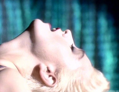 madonna-open-your-heart-video-cap-0009