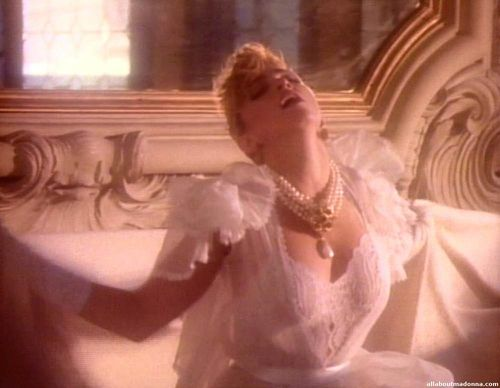 madonna-like-a-virgin-video-cap-0019