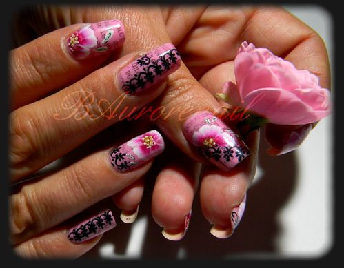 nail-art-rose-one-stroke-effet-journal-et-stamping-copie-1.jpg