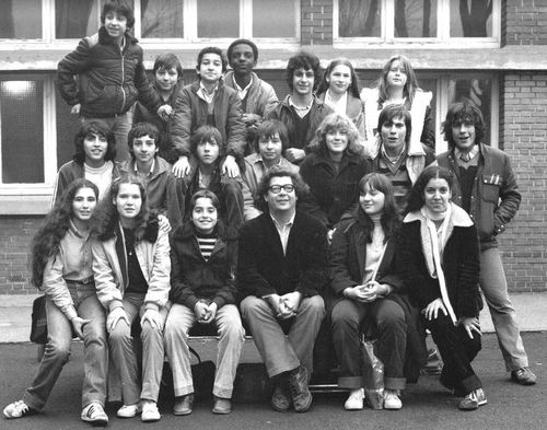 Robert-Bichet-et-ses-eleves-de-La-Courneuve--1980.jpg
