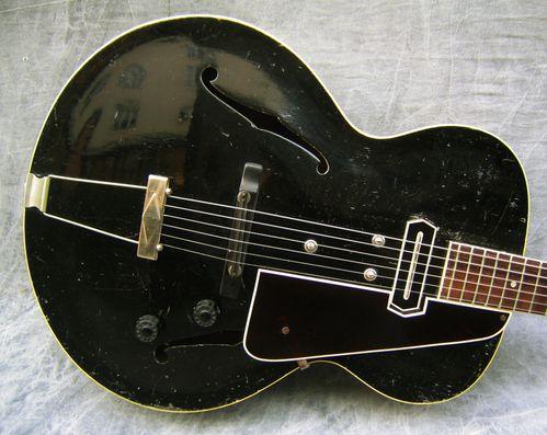 1936_Gibson_ES-150_1058B9_front.jpg