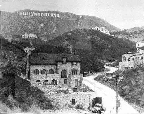 Hollywoodland_Sign_and_house_Mid_20s.jpg